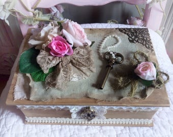 Box shabby and romantic