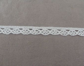 2 meters of white lace cotton embroidery 1.3 cm wide