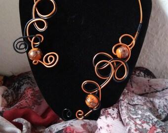 Saffron bracelet necklace in aluminum wire