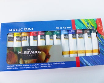 box of 12 tubes of acrylic paint 12 colors