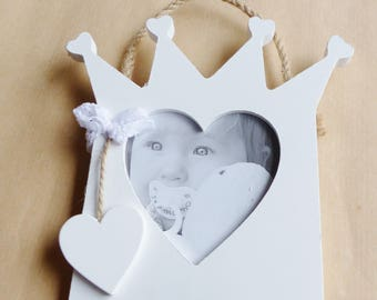 setting Crown slot for photo with heart and big string wood frame to use as is or decorate as you like