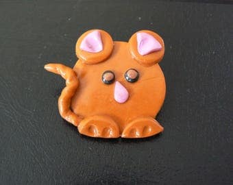 Brown mouse head pin