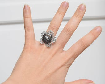 Small silver flower ring