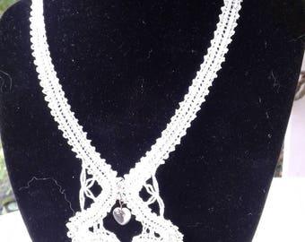 Pretty lace white color (1) necklace