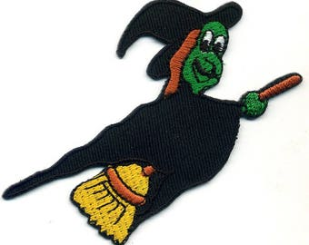 Fusible witch badge embroidered or sew on Patch Applique 9X5cm