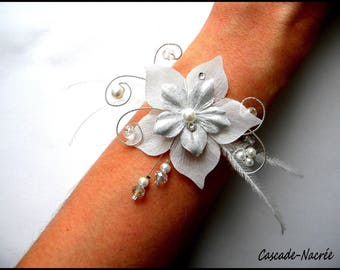 wedding bracelet feather Lucie Silver White Pearl bridal silk flower