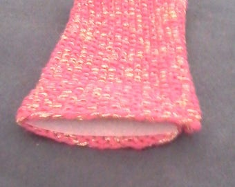 Small pouch fuschia wool with a golden thread