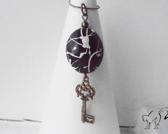 Black and White Pearl and key pendant antique bronze