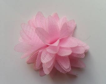 petite fleur en tissu rose pale 4cm