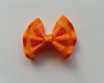 noeud argenté et orange   25*19mm