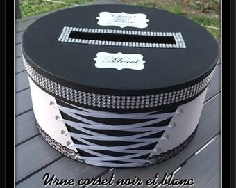 Wedding corset black & white urn