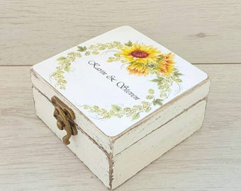 Sunflower wedding ring box, Ring bearer box, Wreath wedding box, Rustic ring holder, Personalized box, Custom ring box, Proposal ring box