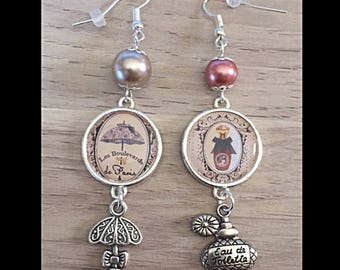 "Mismatched earrings ""eau de parfum and umbrella"""