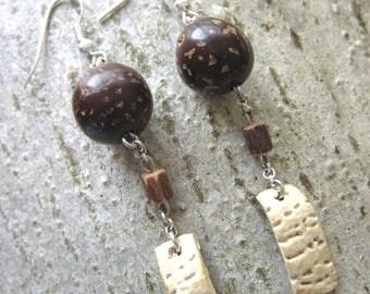 Seeds earrings / ethnic Brown