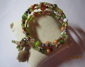 Beaded wrap bracelet with mulit colrs and tassles