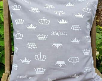 Majesty cushion