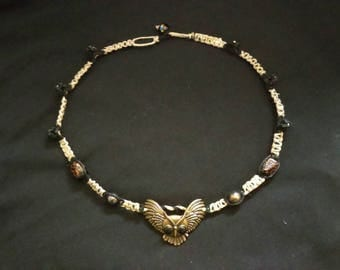 Beautifully detailed hemp necklace with owl pendant
