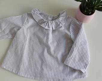 Ruled by frill collar blouse