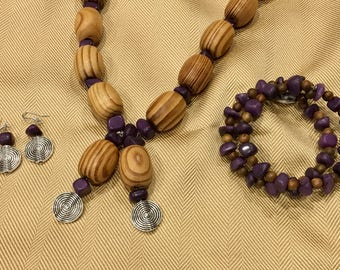 Wood and Amythyst dyed chine and Wood Necklace Set