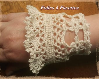 arm warmers, fingerless gloves romantic crocheted ivory cotton