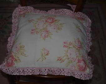 BEAUTIFUL SHABBY CHIC CHAIR CUSHION ROSES FLORAL DECOR
