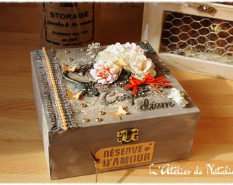 Wooden shabby chic Beige and orange box with clasp