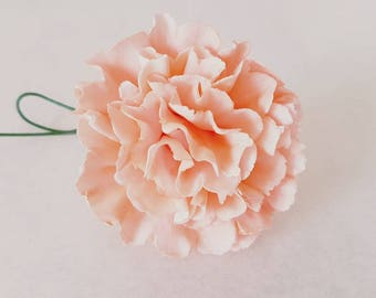 Sugar flower: carnation