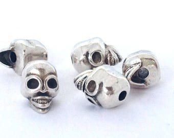 5 skulls 9mm beads, antique silver plated origin europe