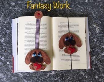 Bookmark of felt dog in love