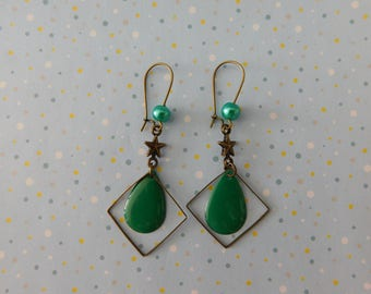 lovely French style green sequin and beads earrings