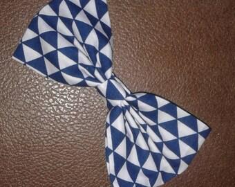 Blue triangle bow