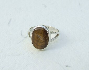 Tiger eye and silver ring. Size 55