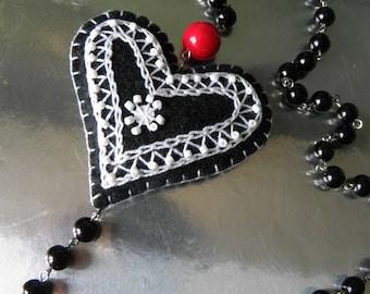 """""""Heart textile"""" necklace"""