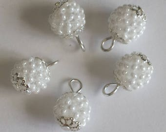 4 pendants seed beads (2.5 mm) White Pearl