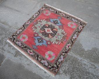 Turkish vintage rug FREE SHIPPING ! Door mat,square rug,entrance rug,shabby rug,outdoors rug,hand made Turkish rug,vintage rug,30'' x 21''