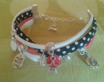 Bracelet multi-row red, white and black cords