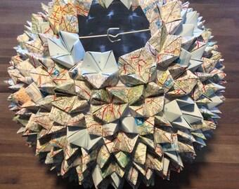 "Pine cones ""map"" ball - deco lamp"