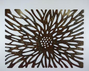 Flower metal wall hanging