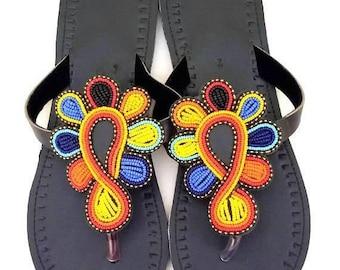 ON SALE Sandales africaines, Sandales colorées,Sandales perlées, Sandalias Africanas, Sandalias lindas, African Sandals, Leather Sandals, Sa