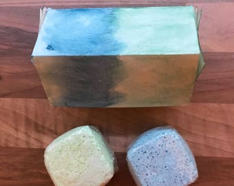 Boys hidden surprise double bath bomb gift set