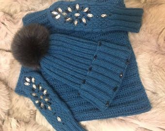 Knitted handmade set