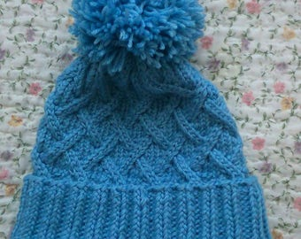 Feminine hat (шапка женская)