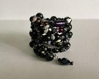 Black & White Wrap Around Memory Wire Beaded Bracelet