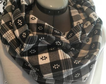 Select color of Plaid Infinity Scarf, Choose from Gray or B/W
