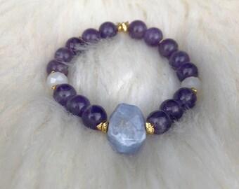Amethyst bracelet // Crystal Bracelet // Gemstone Bracelet // February Birthstone Bracelet // Birthstone Bracelet // Crystal Healing