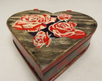 Heart shaped, hand-made jewelry box