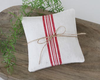 Red & White Torchon Lavender Sachets, Rustic French Drawer Sachets