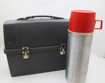 Vintage Plastic Lunchbox and Matching Metal Thermos Work Mans Worker King Seeley Vacuum Bottle