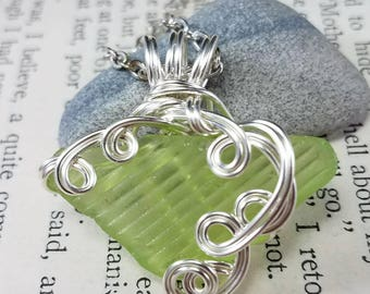Maine Tidal River Lime Green Sea Glass Shard Pendant Necklace