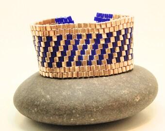 Majesty/Beadwoven Bracelet/Cube Cuff/Peyote Bracelet/Royalty/Gift for Her/Accessory/Handmade Jewelry